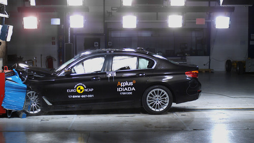 BMW 5er-Serie im Crashtest.