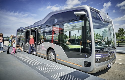 Mercedes-Benz Future Bus mit Cit-Pilot.