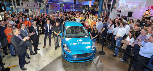 Start der Produktion des neuen Ford Fiesta (v.l.): Betriebsratsvorsitzender Martin Hennig, Rainer Ludwig (Geschäftsführer Personal- und Sozialwesen),  Karl Anton(Director Vehicle Operations, Ford of Europe) und Fertigungsleiter Vic Daenen.