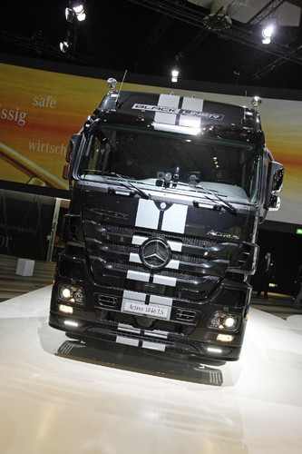 Mercedes-Benz Actros Black Liner.