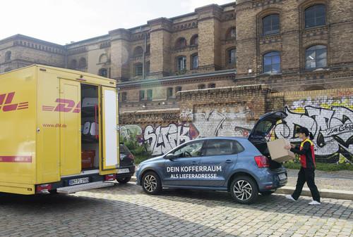 DHL liefert in Berlin in VW-Kofferräume