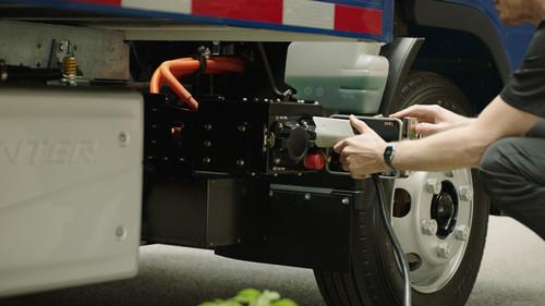 Daimler führt Fuso E-Canter ein