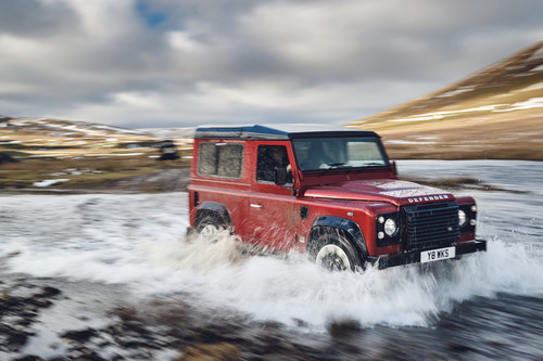 Land Rover Defender Works V8.