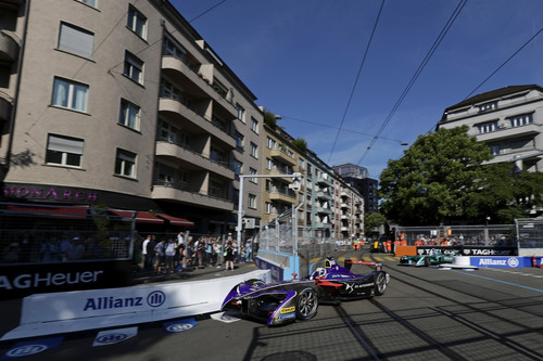 Formel E in Zürich: Sam Bird im Auto von DS Virgin Racing.