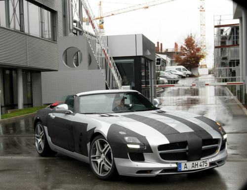 Mercedes-Benz SLS AMG Roadster.