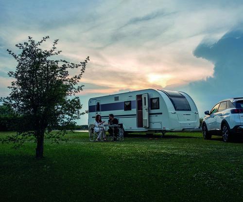 Wohnwagen Mit Etagenbett Yamaha : Adria adora pk wohnwagen mit zwei eingängen auto