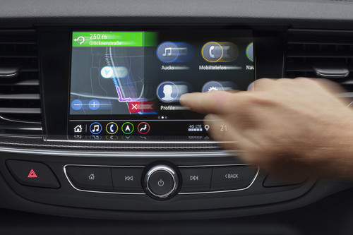 Infotainment-System im Opel Insignia.