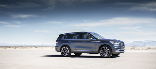 Lincoln Aviator.