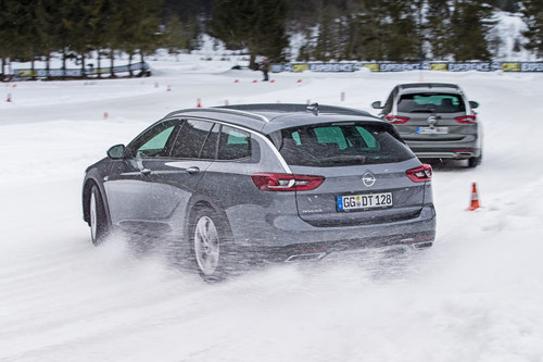 Opel-Fahrtraining im Winter-Testcenter in Thomatal.
