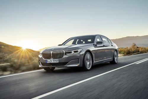 Verkehr - BMW 7er startet im März mit größerem Grill und neuen Motoren