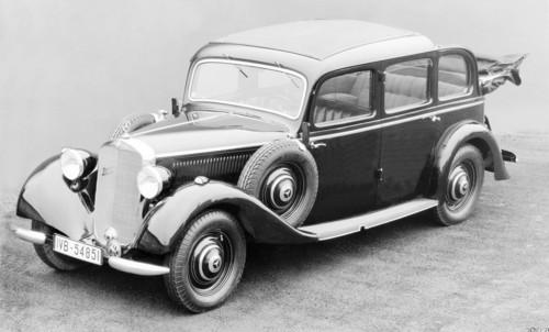 Der erste Serien-Pkw mit Dieselmotor: Mercedes-Benz 260 D (1936).