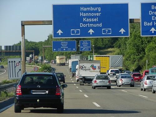 Zum Artikel Ratgeber: Permanentes Fahren auf der Mittelspur mit Einschränkungen gestattet