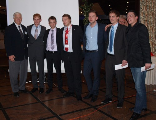 Das Gewinner-Team 2011: Timothy Gilbert (Northwood University), Kristian Daugaard Schultz (Business Academy Aarhus), Erwan Goret (ESSCA), Björn Maier (HfWU), Philipp Pichel (BFC Northeim), Florian Schmid (HfWU), Robert Schmidt (BFC Calw).