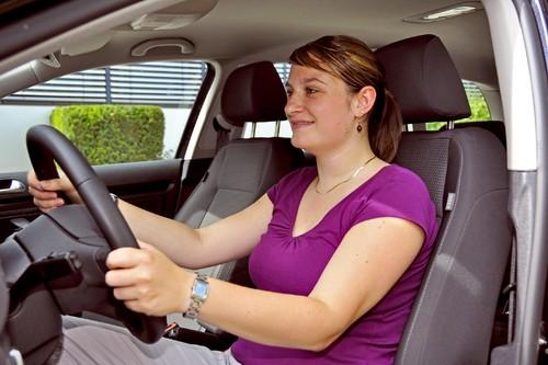 ratgeber richtig sitzen und entspannt ankommen auto. Black Bedroom Furniture Sets. Home Design Ideas