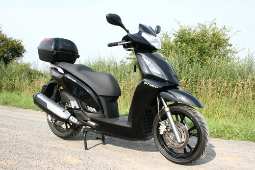 Kymco People GT 300i.