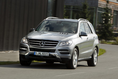 Mercedes-Benz ML 350 4Matic Blue Efficiency.