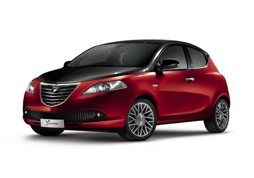 Lancia Ypsilon Black & Red.