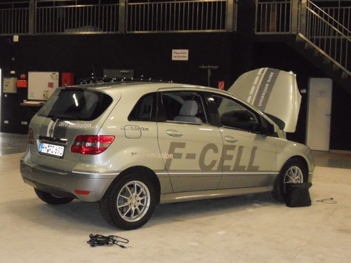 Invisible Mercedes-Benz B-Klasse F-Cell.