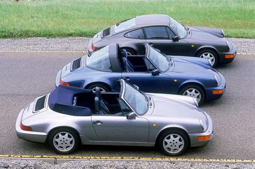 50 Jahre Porsche 911: von vorn Porsche 911 Carrera 4 3.6 Cabriolet, 911 Carrera 4 3.6 Targa, 911 911 Carrera 4 3.6 Coupé, alle von 1980.