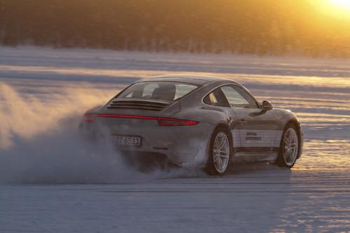 Porsche 911 im Winter.
