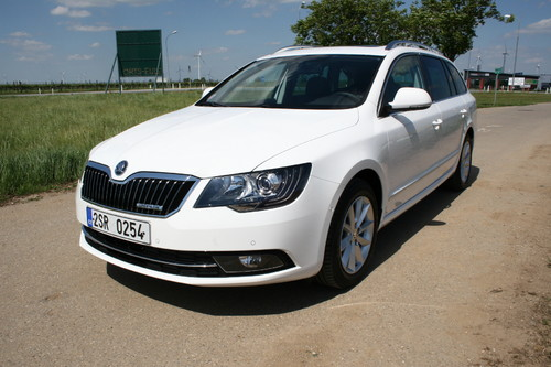 Skoda Superb Combi 1,6 TDI Green Line.