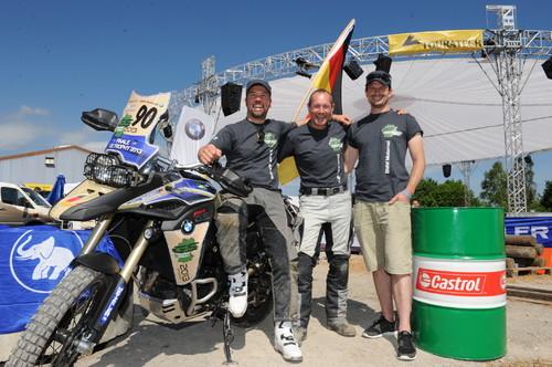 Sieger der BMW-GS-Trophy Germany (von links): Markus Eichberger, Roman Wusch und Thomas Becher.