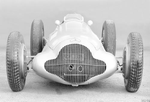 Mercedes-Benz Formel-Rennwagen W 154 (1938).
