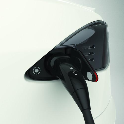 Chargeport Tesla Model S.