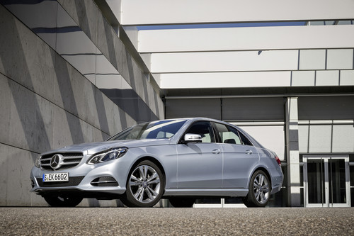 Mercedes-Benz E 220 Bluetec Blue Efficiency Edition.