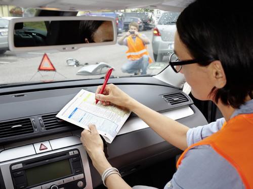 Der europäische Unfallbericht hilft im Schadenfall weiter.