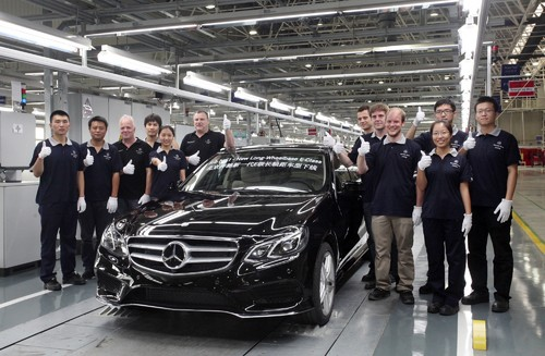Langversion der neuen Mercedes-Benz E-Klasse läuft in Peking vom Band.