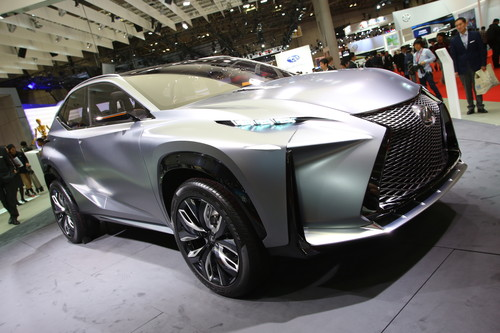 Lexus LF-NX Turbo.