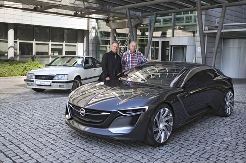 Zwei Designer und ihre Werke. Friedhelm Engler (links) an seinem Monza Concept mit George Gallion vor dessen Opel Monza GSE.