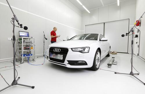 Schaeffler-Akustikprüfstand: Hier können Fahrzeuge bis zur Größe eines Lieferwagens geräuschtechnisch untersucht werden.