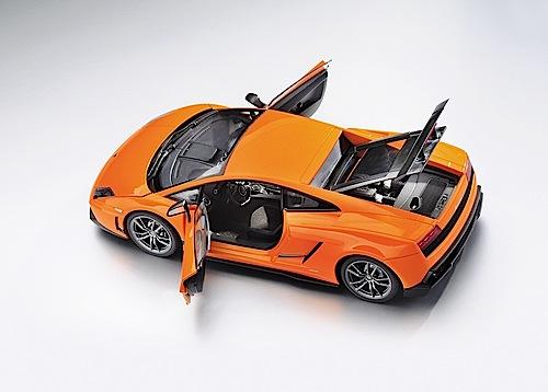 """""""Modellfahrzeug des Jahres 2013"""": Lamborghini Gallardo Superleggera LP 570/4 von Autoart (1:18)."""