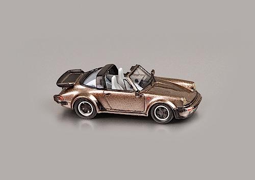 """""""Modellfahrzeug des Jahres 2013"""": Porsche 911 Turbo Targa 3.3 von High Tech Modell (1:87)."""