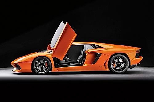 """""""Supermodell des Jahres 2013"""": Lamborghini Aventador von Pocher (1:8)."""