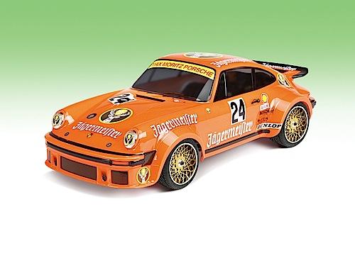"""""""Modellfahrzeug des Jahres 2013"""": Porsche 934 """"Jägermeister"""" RC von Carson (1:5)."""