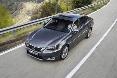 Lexus GS 300h.