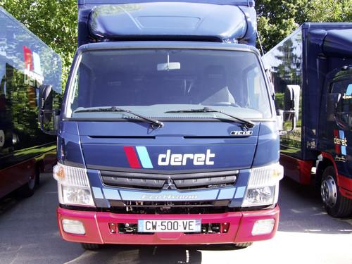 Mit Deret Transport hat sich kürzlich einer der größten Logistiker Frankreichs für den Fuso Canter Eco Hybrid entschieden.