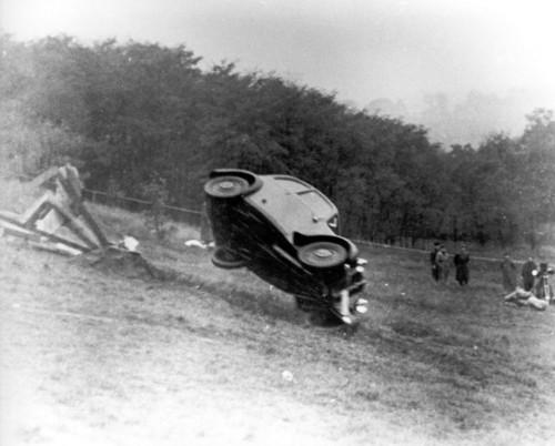 Mit mehreren Überschlägen des DKW F 7 begann 1938 bei Audi die Ära der Crash-Tests.