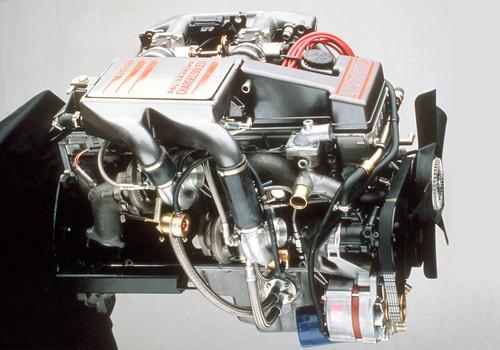 Motor des Opel Omega 3000 24V.