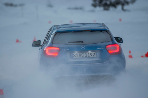 Toben im Schnee: Mercedes-Benz A-Klasse 4Matic.