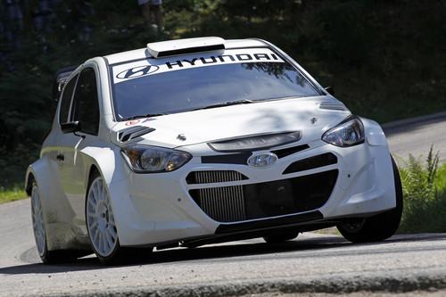 Hyundai i20 WRC bei Testfahrten.