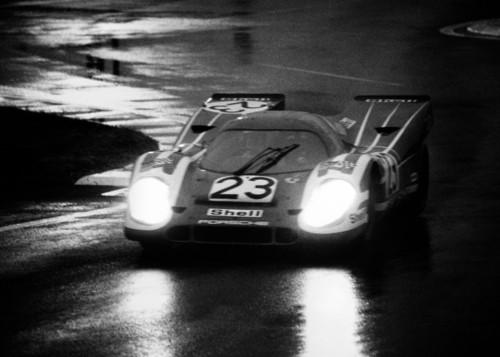 Hanns Hermann mit dem Porsche 917.