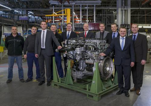 Serienstart für neue Lkw-Motoren von Mercedes-Benz.