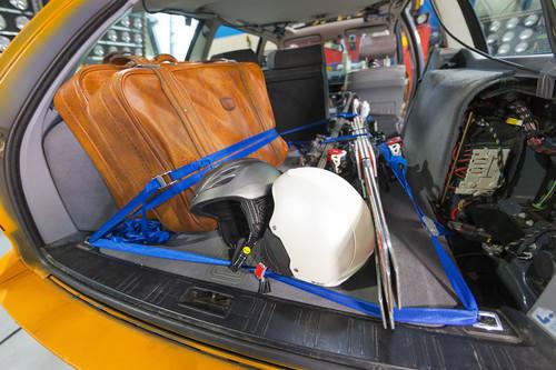 Crashtest - Ladungssicherung bei Wintergepäck.