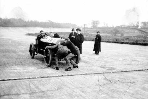 """Vor 100 Jahren: Rekordfahrt mit """"Blitzen-Benz"""" in Brooklands."""