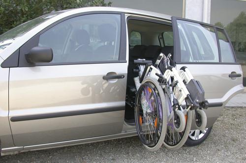 Für Menschen mit Mobilitätseinschränkungen: Ein umgebauter Ford der Reha Group Automotive.