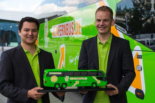 Mit dem ersten Jahr zufrieden: Panya Putsathi und Torben Greve, die beiden Gründer und Geschäftsführer von Mein Fernbus.